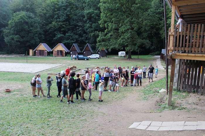 Přípravy na tábor stále v plném proudu.